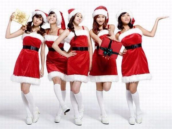 1450979642903_sexy_christmas_girs_14