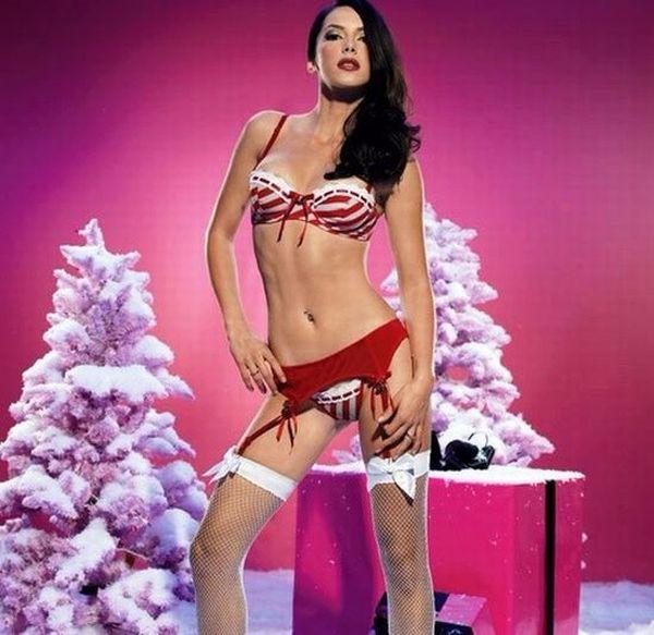 1450979645356_sexy_christmas_girs_22