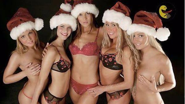 1450979669478_sexy_christmas_girs_145