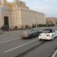 Moskvas kaotas autojuht CityBeega sarnast teenust pakkuva firma auto üle kontrolli ja rullus üle katuse